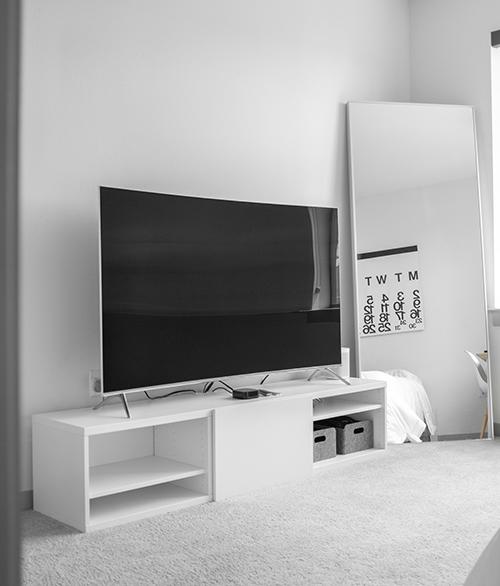 破損する前の大型テレビ